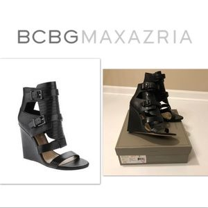 BCBGMAXAZRIA Lidelle Black Wedge Sandals
